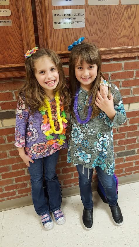 2nd grader students Lei off Drugs!